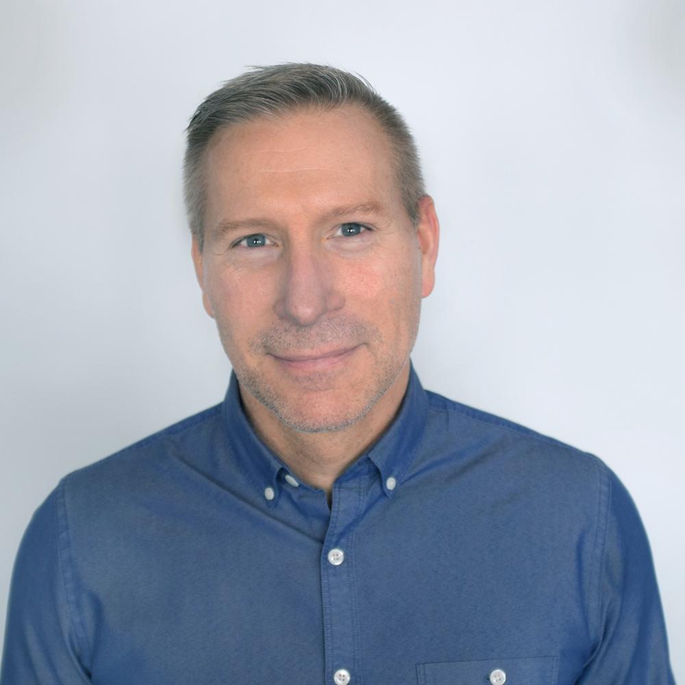 Christopher Larsen headshot